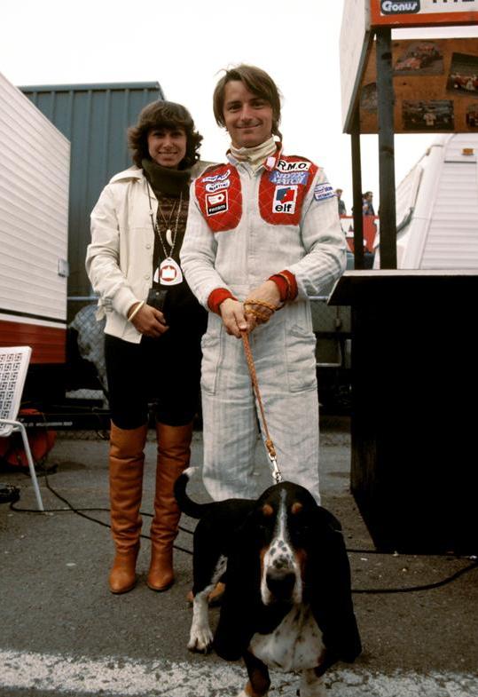F1ドライバーと愛犬のツーショット写真集 1 : F1通信