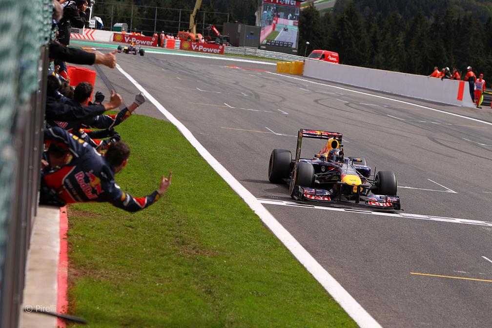 2011年F1統計 2: ベッテルの圧...
