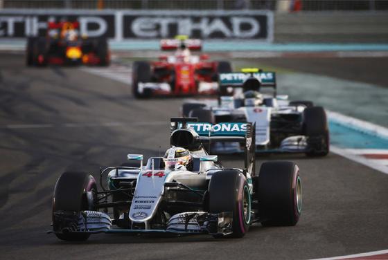 ルイス・ハミルトン、ニコ・ロズベルグ、セバスチャン・ベッテル、マックス・フェルスタッペン、2016年F1アブダビGP
