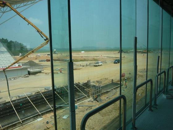 F1韓国GPサーキットの工事現場 - BBC 5Live F1チームのスタッフが2010年8月20日にtwitterに掲載した写真