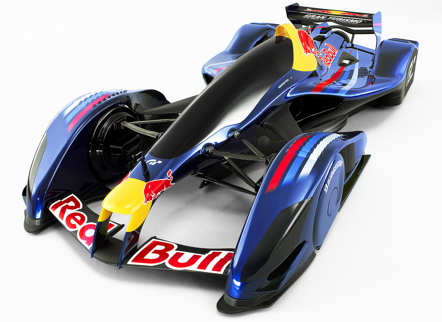 FIA、メルセデスのキャノピーの評価を推進: F1の保護コックピット