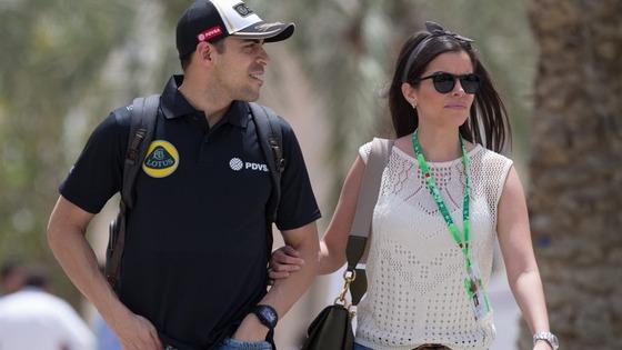 パストール・マルドナドと妻ガブリエラ・タルカニー、2015年F1