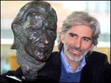 グラハム・ヒル銅像とデイモン・ヒル