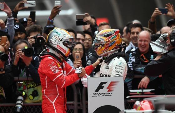 セバスチャン・ベッテルとルイス・ハミルトン、2017年F1中国GP