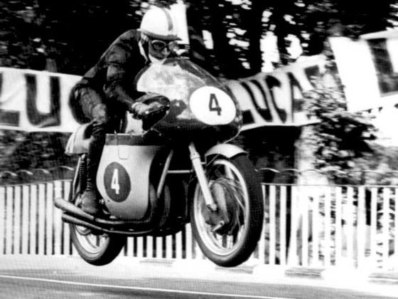 ジョン・サーティース - バイク