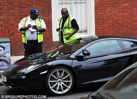 バトン、駐車違反の罰金を免れる: 写真 : F1通信