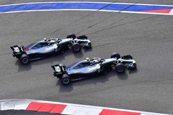 ボタス、ハミルトンを先に行かせる、チームオーダー:2018年F1ロシアGP