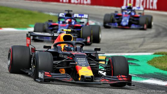 アレックス・アルボン(レッドブル・ホンダ)とトロ・ロッソ・ホンダの2台:2019年F1イタリアGP