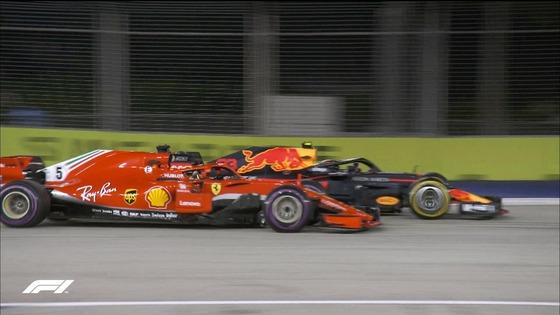 フェルスタッペン、コース合流でベッテルとサイド・バイ・サイド:2018年F1シンガポールGP
