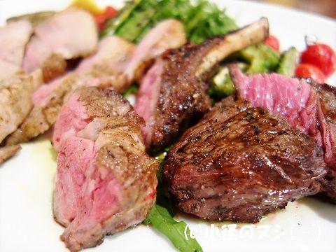 お肉の炭火焼き 盛合せ 1.5皿分