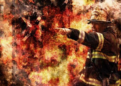 firefighter-502775_1920