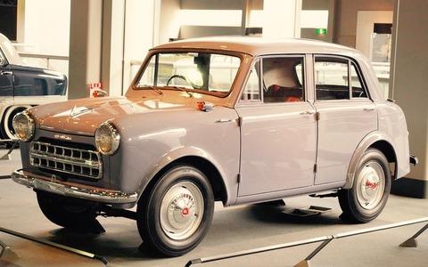 800px-1956_Datsun_Model_112_02
