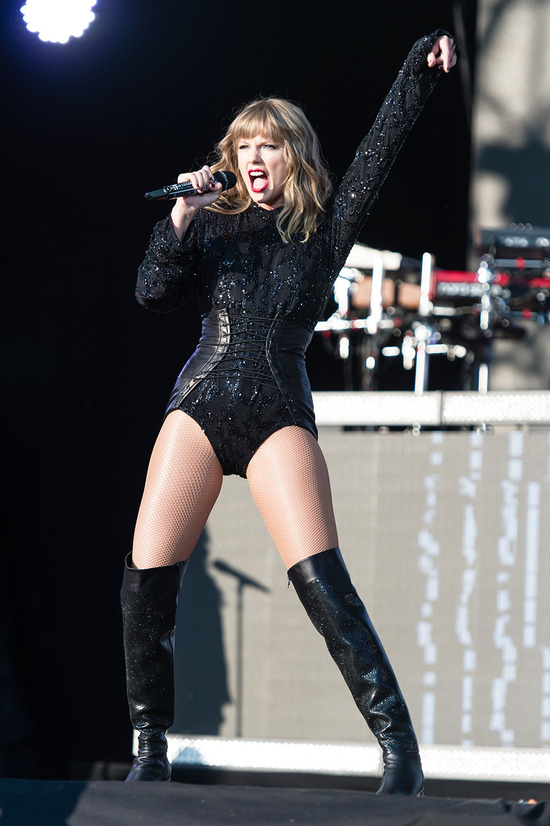 taylor-swift-bedazzled-bodysuits
