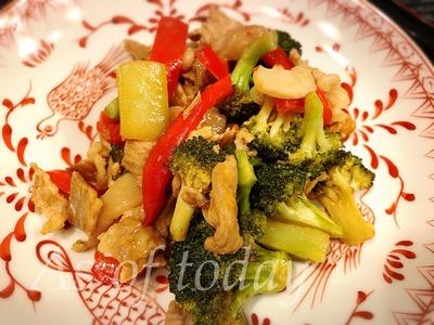 豚肉とブロッコリーのピリ辛炒め