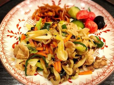 肉野菜炒め きゅうりの浅漬け ラディッシュの甘酢漬け