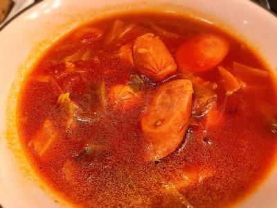 フランクフルトのトマトスープ