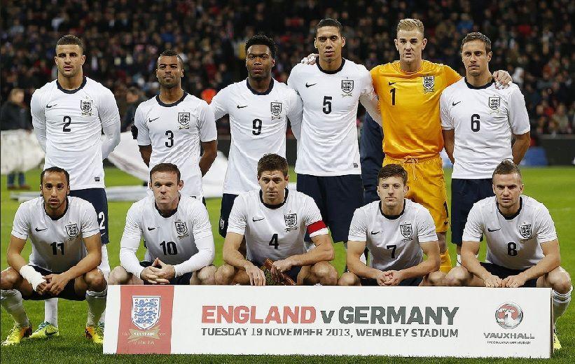 England-2013-NIKE-home-kit-white-navy-white-line-up