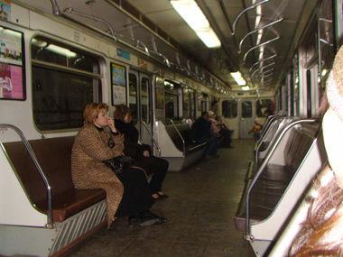 地下鉄の中。ジヘイにとっては恐怖の空間