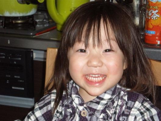 USJから帰った後の娘。疲れ知らずの笑顔。