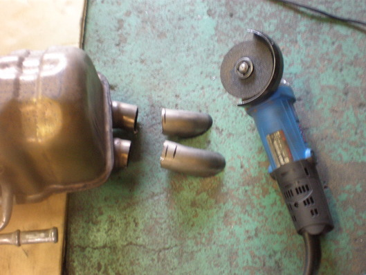プジョー308GTiのワンオフマフラーカッター
