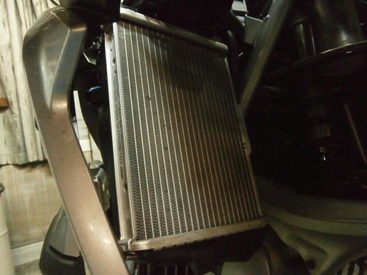 R1200GSのラジエター