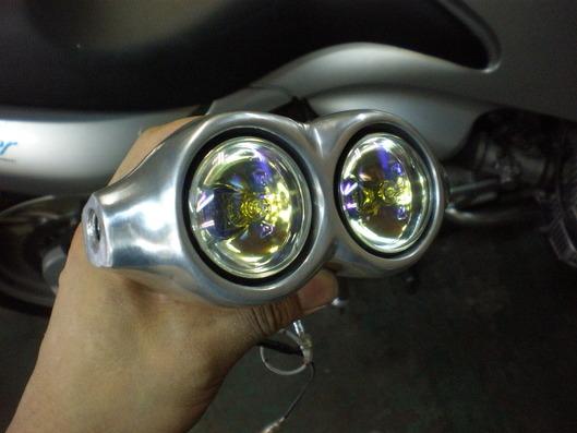 BMW R1100 フォグランプステー
