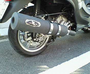 耐熱ブラック仕様のMP3マフラー