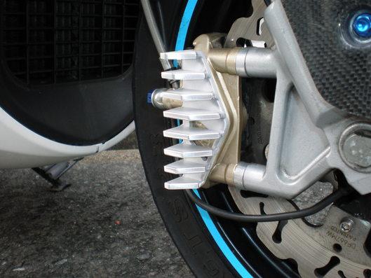 デルビGP1 250用ブレーキキャリパークーラー