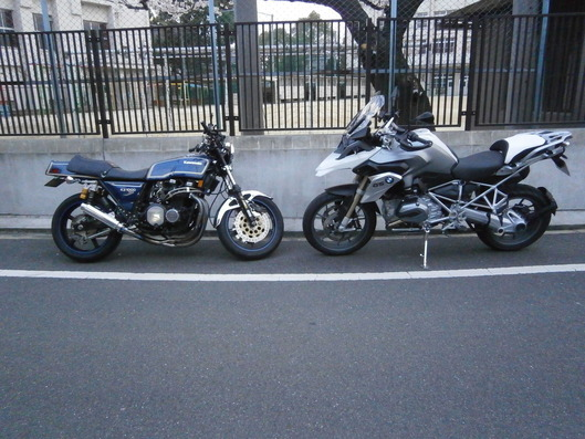 Kawasaki KZ1000 Mk2 と BMW R1200GS