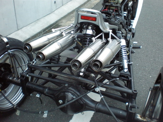 V-MAXトライク 4本出しマフラー