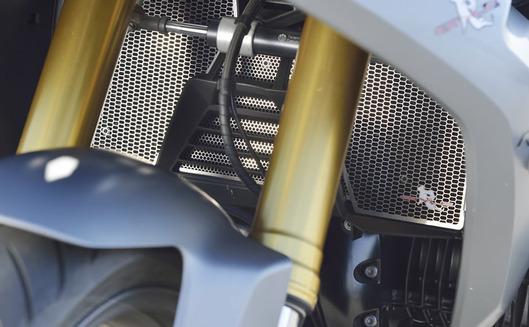 BMW R1200RS ラジエターコアガード