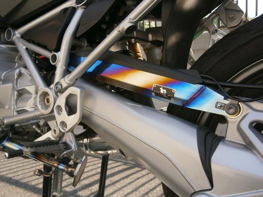 BMW R1200GS LCノーマル長トルクロッド ヒートカラー