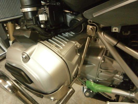 BMW R1200RT エンジンガード カウル内部トラス構造