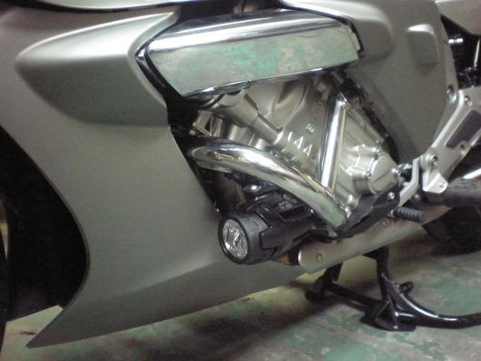 BMW K1600GTL エンジンガード左