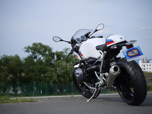 BMW RnineT Racer ハイサイドスタンド