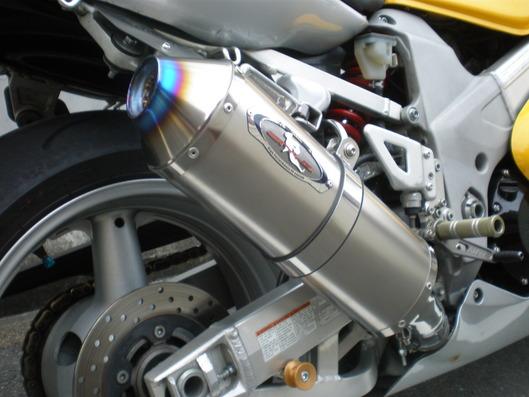 TL1000R スリップオンマフラー
