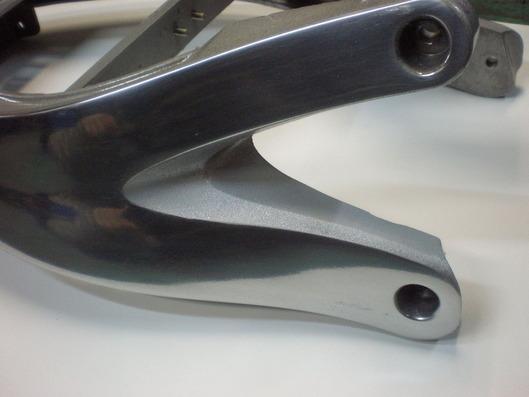 ビューエルX-1 シートレール研磨