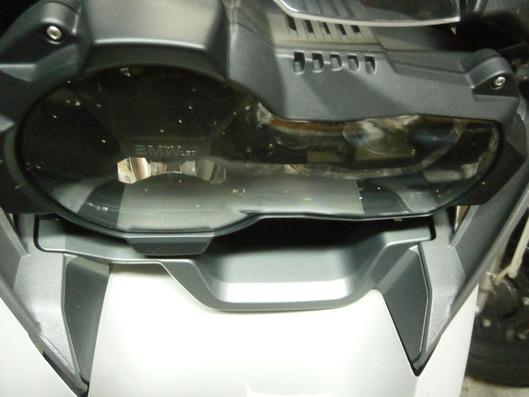 R1200GS 虫の付いたヘッドライト