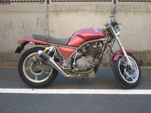 ヤマハ SRX400 マフラー