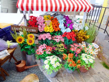 パリの街のお花屋さん