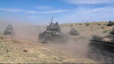 疾走するチャーフィー戦車