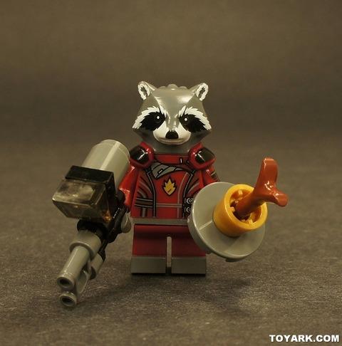 004-LEGO-Marvel-Super-Heroes-Rocket-Raccoon-Toys-R-Us-Poly-Bag