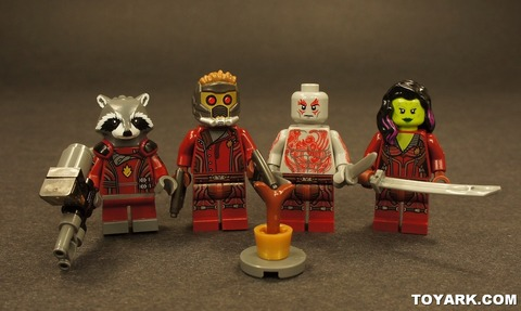 001-LEGO-Marvel-Super-Heroes-Rocket-Raccoon-Toys-R-Us-Poly-Bag