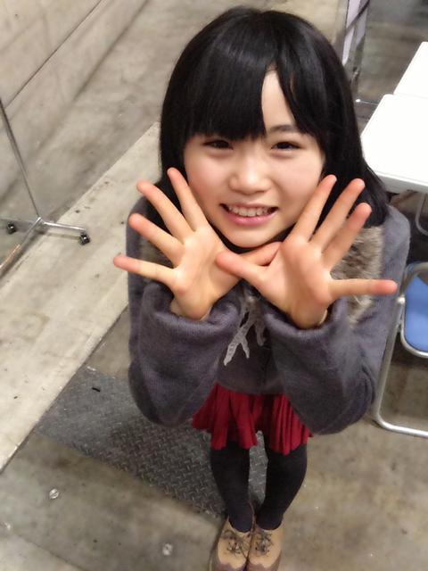 【HKT48】かわいい画像「オーーイ!ロリコンどもーー!」【AKB48G】