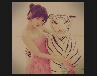 【AKB48/ニュース】篠田麻里子、美バストあらわなツインテールオフショットを自身のTwitterで公開!