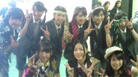ももいろクローバーZはAKBへのアンチテーゼなのか?【AKB48/ももクロ】