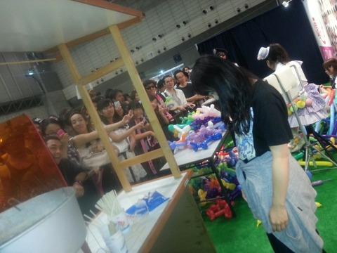 松村香織のかき氷ブースに客が居ない1