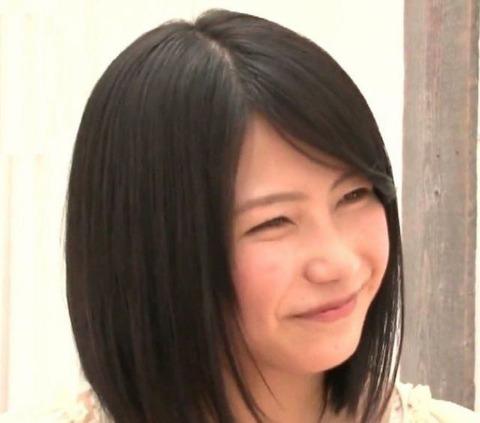 横山由依の照れ笑いより可愛いスマイルってある?【AKB48/横山由依】