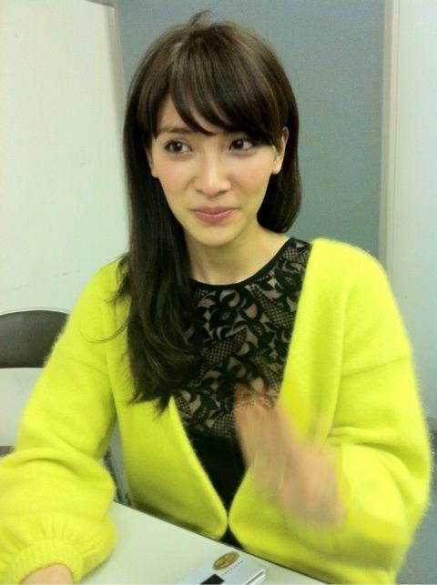 【AKB48/秋元才加】握手会を終えて涙みせる・・「ネイルにYとNの文字」