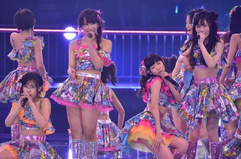 AKB48メンがNMB48単独武道館を視察中!? 【AKB48】